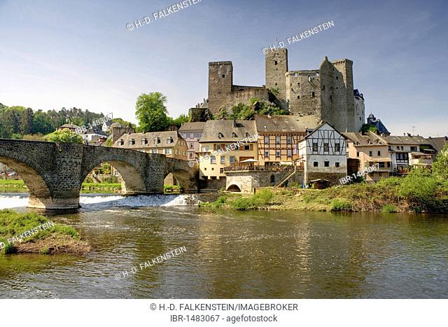Old Lahn bridge, Runkel an der Lahn, Hesse, Germany, Europe