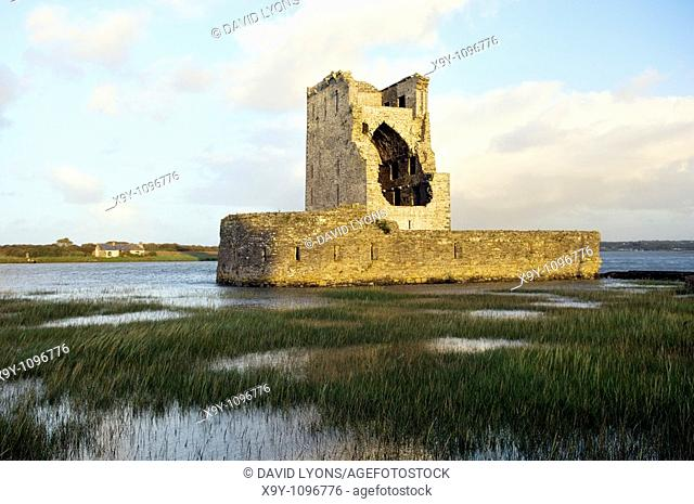 15thC  Carrigafoyle Castle near Ballylongford, Co  Kerry, Ireland  On south shore of River Shannon estuary
