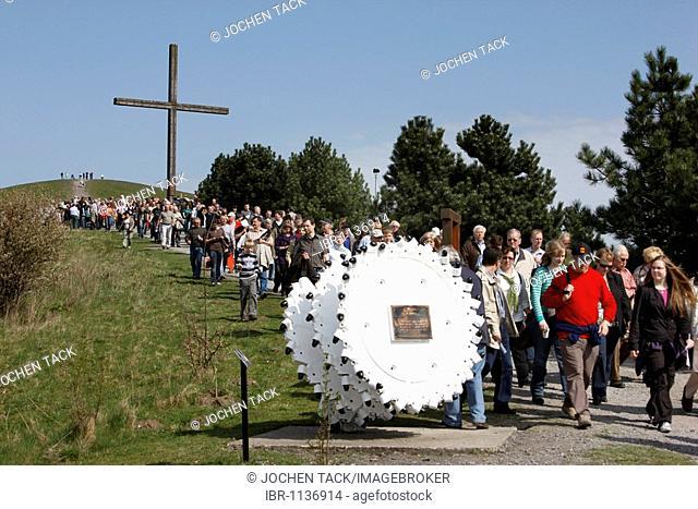 Way of the Cross procession on Good Friday with mining motifs on the Haniel slag heap, Prosper-Haniel mine, Bottrop, Ruhr Area, North Rhine-Westphalia, Germany