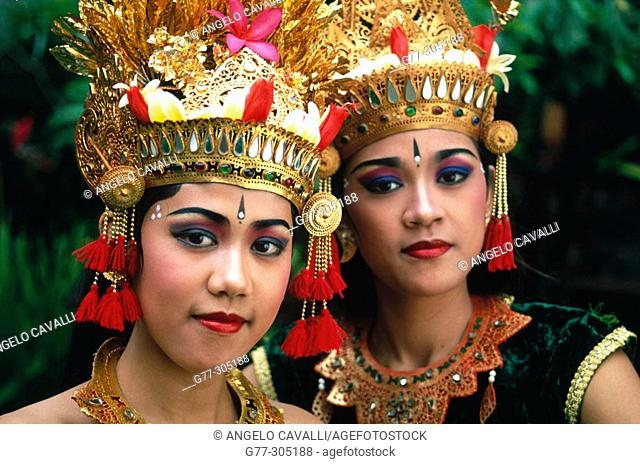 Ramaya Dance. Balinese dancers from Ubud, Indonesia