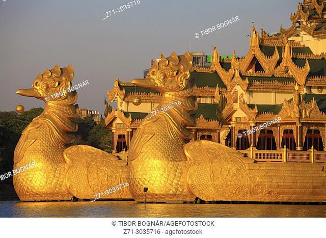 Myanmar, Yangon, Karaweik Palace, Kandawgyi Lake,