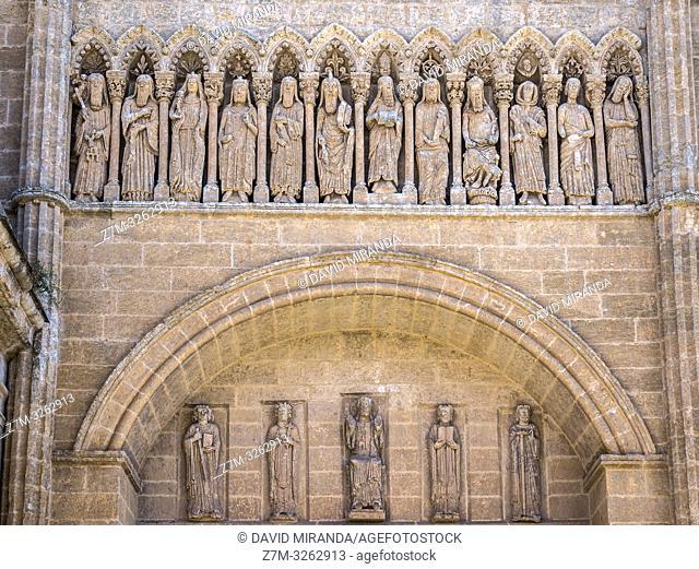 Esculturas en el exterior de la Catedral de Santa María. Ciudad Rodrigo. Salamanca. Castilla León. España