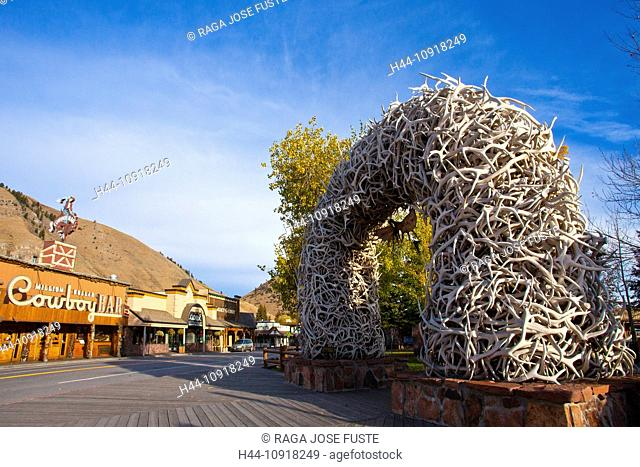 USA, United States, America, Wyoming, Jackson City, Jackson Hole, Antler Park, arch, attraction, colourful, elk, elks, famous, horns, square