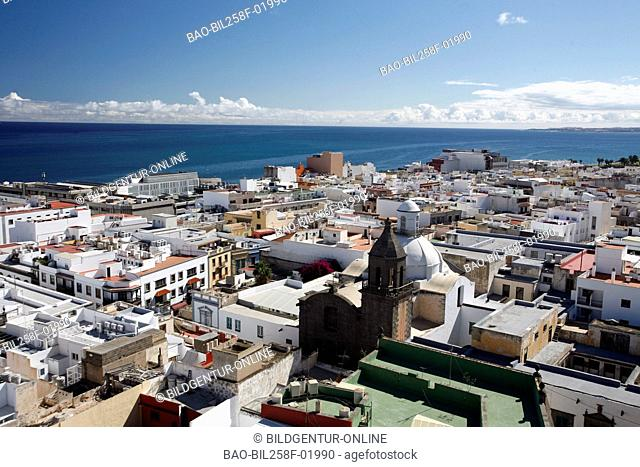 The round view of the roof of the cathedral Santa Ana in Santa Ana Platz in reading Palmas of the capital the insel grain Canaria on the Canary islands in the...