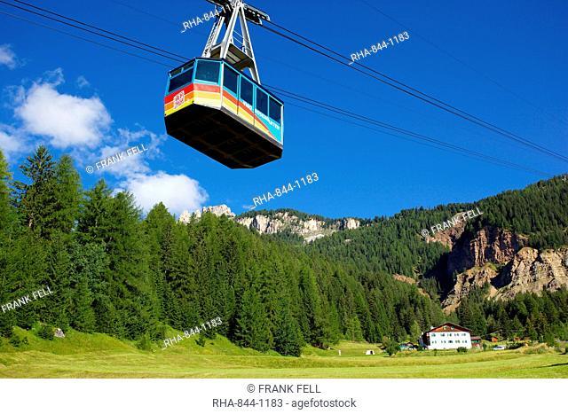 Cable car, Vigo di Fassa, Fassa Valley, Trento Province, Trentino-Alto Adige/South Tyrol, Italian Dolomites, Italy, Europe