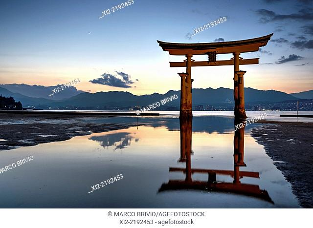 Floating torii gate, Itsukushima Shrine. Miyajima, Hiroshima Prefecture, Japan