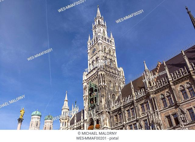 Germany, Bavaria, Munich, Marian column and Frauenkirche and new town hall