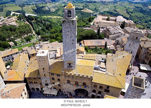 Italy, Tuscany, San Gimignano, elevated view