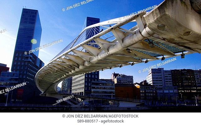 Isozaki Atea o Puerta de Isozaki es un complejo arquitectónico construido por Arata Isozaki.  Zubi Zuri o Puente Blanco obra de Santiago Calatrava