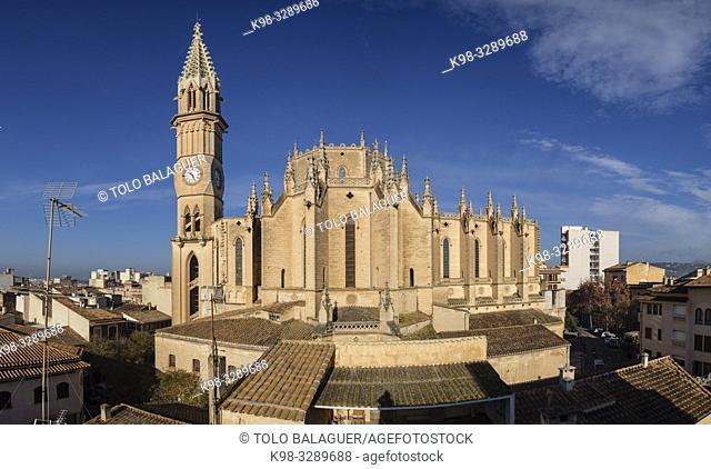 Iglesia de Nostra Senyora dels Dolors, finales del siglo XIX por iniciativa del rector Rubí, obra de José Barceló Runggaldier y Gaspar Bennàssar, Manacor