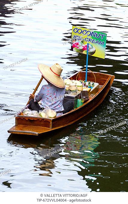 Asia, Thailand, Bangkok, Damnoen Saduak floating market