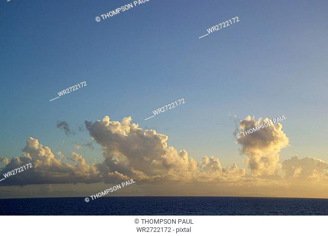 90900169, sky, sea, cloud, clouds, horizon, blue