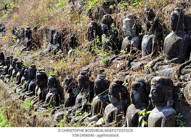 """Myanmar, Rakhine State, Mrauk U, Koethaung pagoda (16th C), Seated Buddhas with Bhumiparsha mudra or """"""""earth witness"""""""" mudra"""