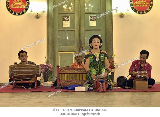 Javanese performance (gamelan) at Tiongkok Kecil Heritage Centre, Lasem, Java island, Indonesia, Southeast Asia