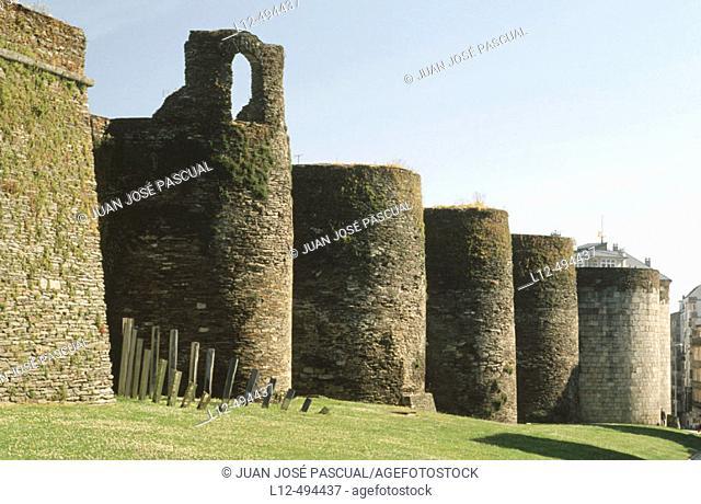 Roman wall, Lugo. Galicia, Spain