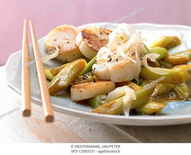Pan-fried scallops with lemon and ginger