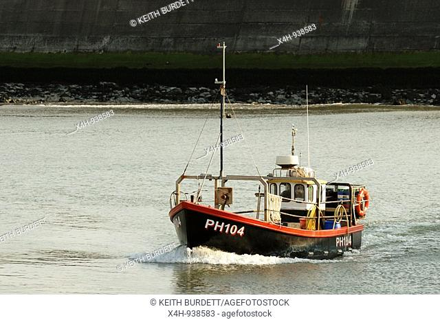 Fishing boat entering Aberystwyth harbour