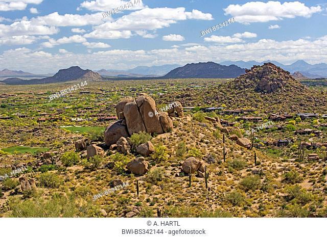 New River Mesa with village, view from Pinnacle Peak, USA, Arizona, Phoenix