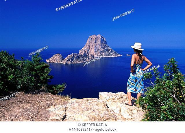 outside, Balearic Islands, It Vedra, woman, Ibiza, island, isle, coast, coastal scenery, scenery, seashore, person, model releas
