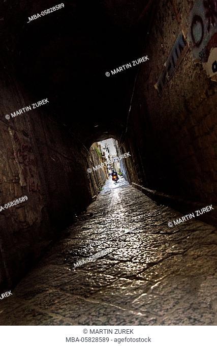 Streets scene, tunnel, Naples, Italy, Kampanien