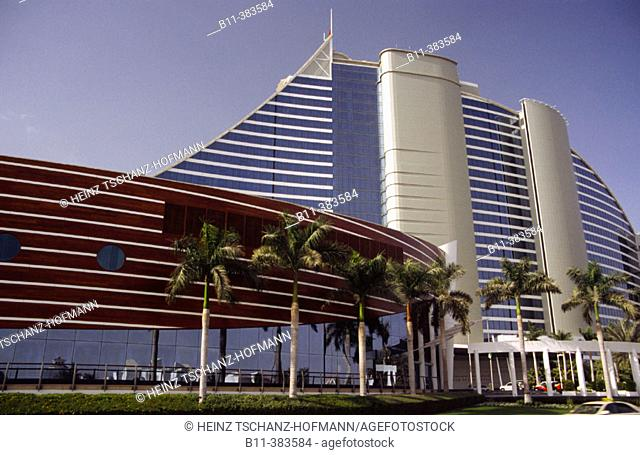 Emirat, Stadt Dubai, Stadtteil Jumeira, das Jumaira Beach Hotel Emirate, city of Dubai, district Jumeirah, Jumairah, Jumaira Beach Hotel
