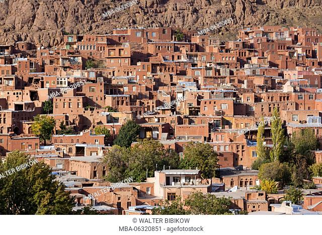 Iran, Central Iran, Abyaneh, elevated village view