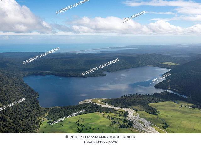 Lake Mapourika, West Coast, Southland, New Zealand