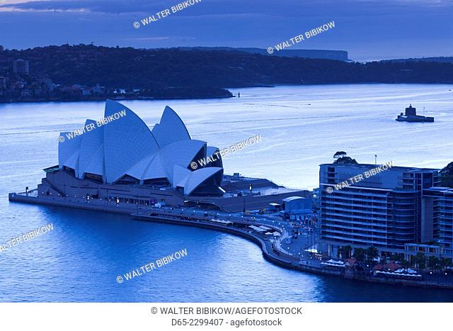 Australia, New South Wales, NSW, Sydney, Sydney Opera House, elevated view, dawn