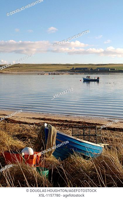 WEDDELL SOUND ORKNEY Fishing boat beaching on Glimps Holm