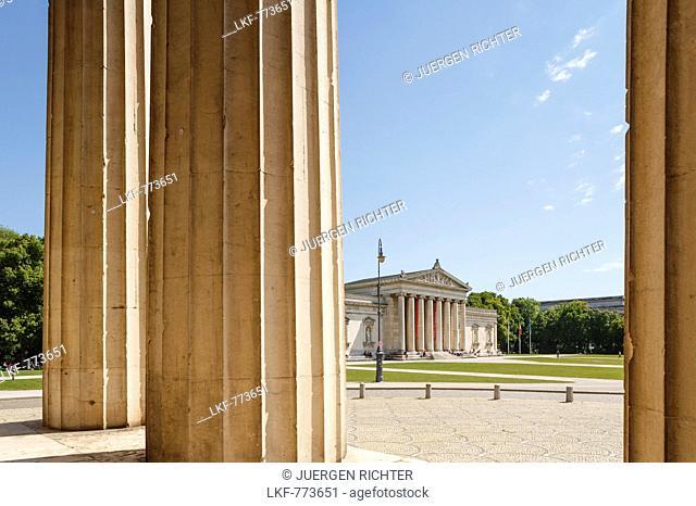 Koenigsplatz with Glyptothek, art museum for Greek and Roman sculptures, architect Leo von Klenze, Neoclassical style, 19th century, Koenigsplatz, Munich