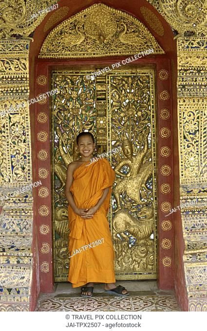 Golden City Monastery (Wat Xieng Thong) / Novice Monk, Luang Prabang, Laos