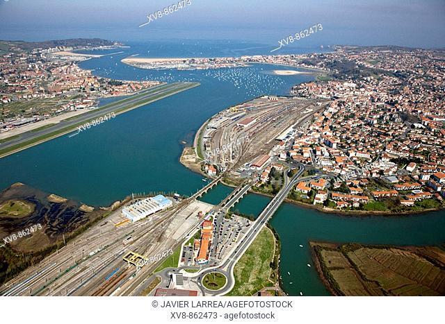 Puente de Santiago, mouth of Bidasoa river, railway station, Irun, Hondarribia, Hendaya, Txingudi bay, France/Spain border