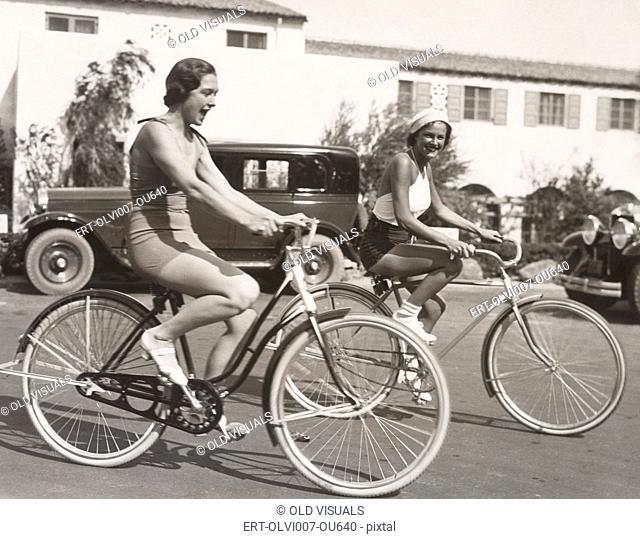 Bike riding fun (OLVI007-OU640-F)
