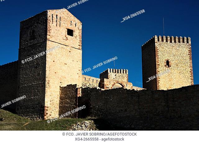 Castillo alcázar de Molina de Aragón, fortaleza medieval con recinto amurallado, siglos X y XI - Guadalajara - Castilla la Mancha - España