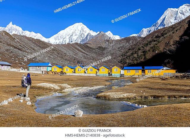 Nepal, Gandaki zone, Manaslu Circuit, between Dharamsala and Bimthang, Bimthang (alt.3800m), small colorful cottages of the hotel Ponkar Mount