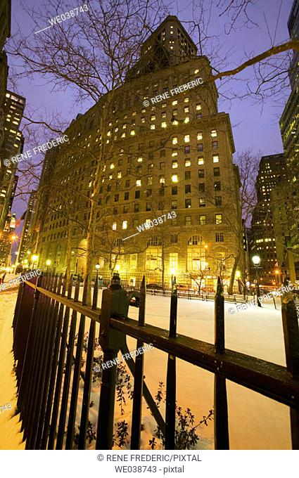 Night scenes, Broadway near Battery Park, New York City, USA